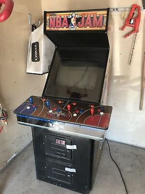 NBA Jam Midway Arcade Game!  Fully Operational! 4 Player!