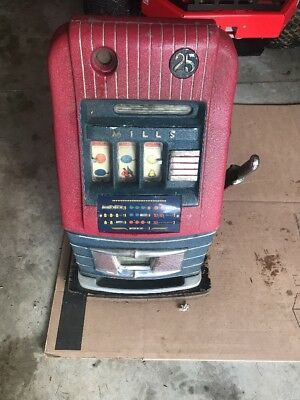 Vintage 1940's Mills High Top 25 cent Quarter Slot Machine