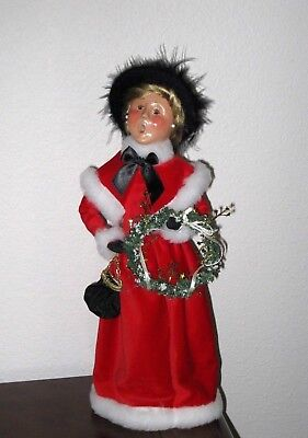 Byers choice Lady RED Outfit, EMILY's Mother Christmas Illustrations 2005,