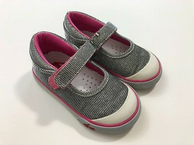SEE KAI RUN Girls Silver Sparkle Sneakers Mary Jane Shoes Size 6 Toddler