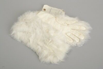 Immaculate Victorian Fur Backed Leather s5 Gloves. Ref HET