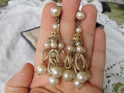 Lovely Cascading Vintage 1960s Pearl Drop Clip On Earrings