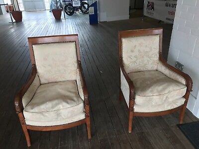 Comfy Vintage Arm Chairs Lounge Pair White Brown Wood