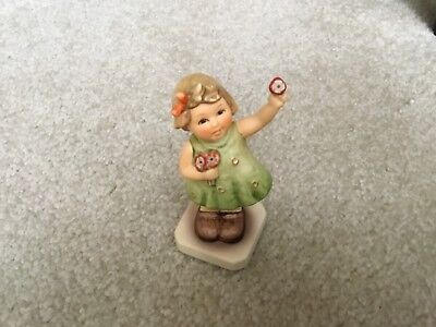 "Goebel M I Hummel Club Exclusive Edition  ""Forever Yours"" Figurine HUM793"