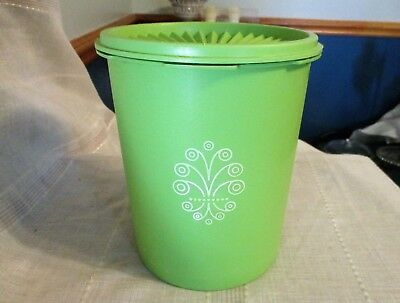 "Vintage Apple Green Tupperware 6 3/4"" Tall x 5 1/2"" Dia Servalier Canister #809"