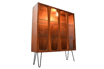 Mid-Century Modern Display Cabinet/China Cabinet/Display Hutch