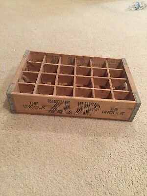 """7-UP """"THE UNCOLA"""" WOODEN CASE, WOOD CRATE w/ 24 BOTTLE SLOTS Watertown Wi Old"""