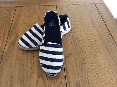 Ladies navy and white Oasis espadrille shoes size 5