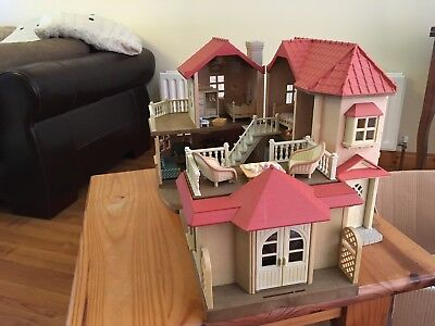 sylvanian families beechwood hall & Cosy Cottage Extension