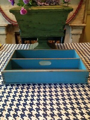 Wonderful Antique Vintage Robins Egg Blue Tote/Carrier With Cutout Handle!!