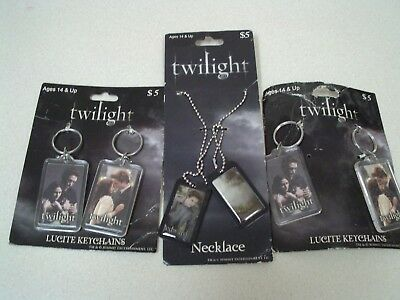 Twilight Necklace Dog Tags & 4 Key Chains NIP  The Twilight Saga Eclipse NECA
