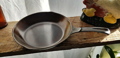 """Vintage Wagner Unmarked 9"""" Cast Iron Chef Skillet -Beautiful Shape- Antique USA"""