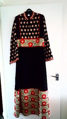 Traditional Middle Eastern Jordanian Palestian Thobe Abaya Kaftan Dress