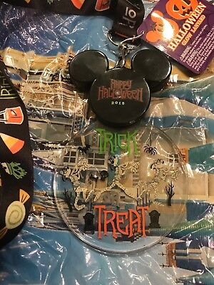 Disney Parks Happy HALLOWEEN 2018 Light Up Glow Lanyard Mickey Goofy Nwt
