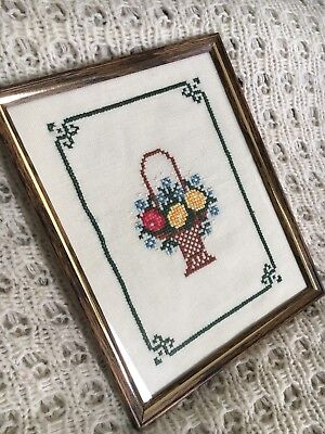 Pretty Vintage Framed Tapestry Flower Basket Needlework Embroidery