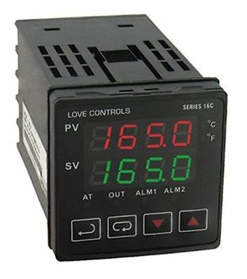 DWYER INSTRUMENTS 16C Panel Mount PID Temperature Controller, 48 x 48mm 1 Input,