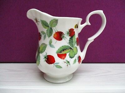 pichet/pot à lait en porcelaine ROY KIRKHAM Alpine Strawberry 2000 motif fraises