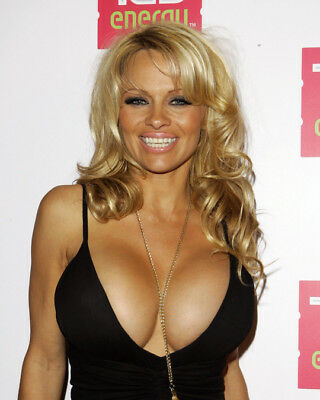 GLOSSY PHOTO PICTURE 8x10 Pamela Anderson Blonde Showing Her Big Breasts