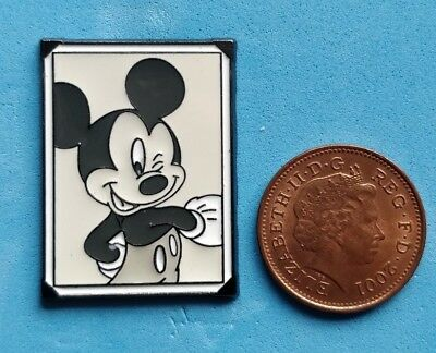 Disney trade pin MICKEY MOUSES PORTRAIT PIN (I COMBINE THE P&P)