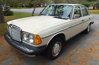 Mercedes-Benz: 200-Series 240D Mercedes-Benz 240D 1978