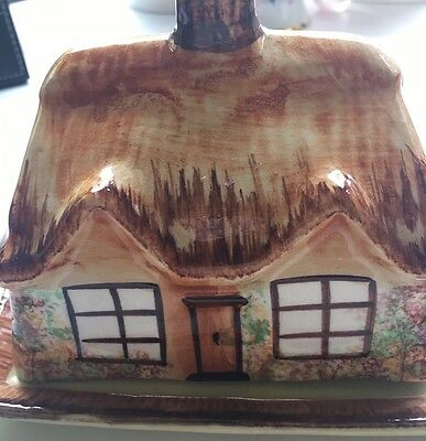 Beautiful Olde English Cottage Butter Dish - GC - 11x13x15cm