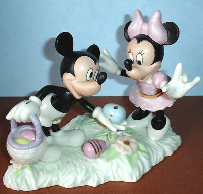 Lenox Disney Mickey & Minnie Mouse Easter Egg Hunt Figurine New