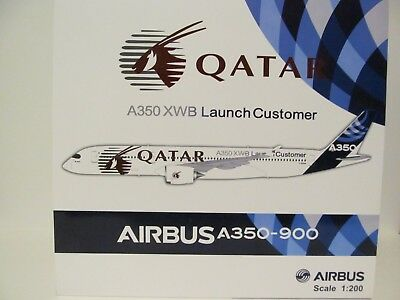 JC WINGS QATAR AIRBUS A350-900 in 1:200 Scale Model.