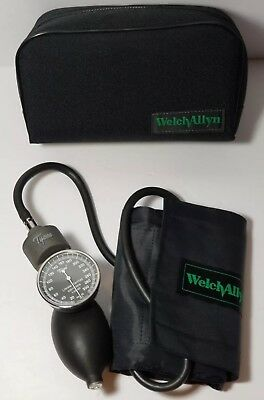 Tycos Sphygmomanometer with Adult Size Cuff and Carrying Bag- Tested & Working