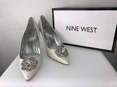 Nine West 11 Womens Pearl White Engagement Wedding Heel Silver Glitter Sole