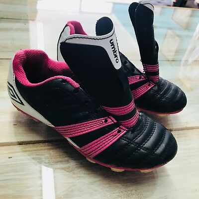 c1732e2d8 UMBRO SOCCER CLEATS sz 1.5 Y youth girls wired Pink Black shoes (bin ...