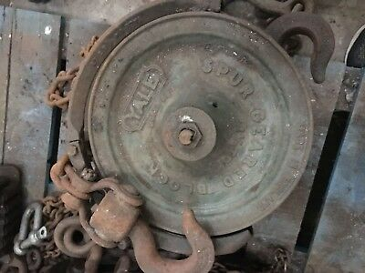 Yale Spur Geared Chain, Lifting Block, 1.5 Ton Capacity.