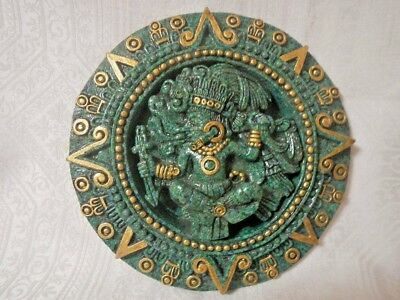 """Vintage Mexico Mayan Aztec Statue crushed Malachite plate 9.5"""" Dia."""