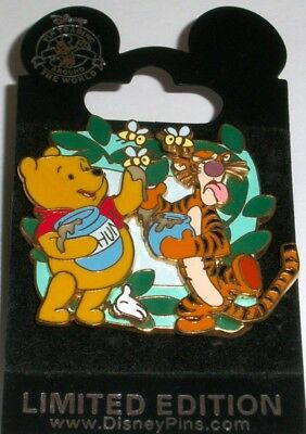 WHITE GLOVE Winnie the POOH & TIGGER Bee Disney WDW New Card LE 500 Pin 68685