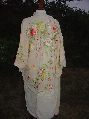 Antique 1920s Ladies Light Peach hand embroidered silk Kimono dressing Gown