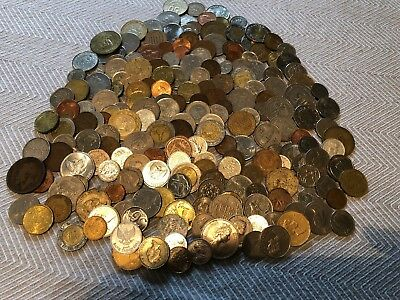 200 Random Assorted World Foreign Coins