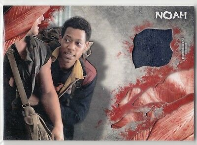2016 Walking Dead Survival Relic Tyler James Williams als Noah Jacke
