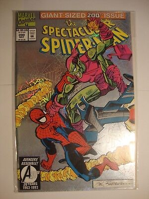 MARVEL COMICS GIANT-SIZED 200th ISSUE THE SPECTACULAR SPIDER-MAN