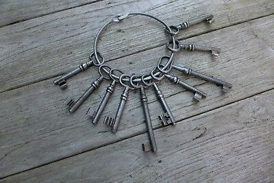 Antique Vintage 10x Keys Collection On Metal Ring Collector Craft Home Art A