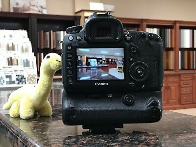 Canon EOS 5D Mark III 22.3MP Digital SLR Camera (Body Only) + Battery Grip
