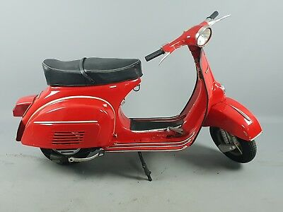 Vespa 125 vintage classic scootee