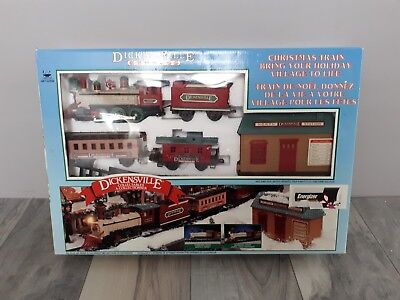 Vintage New Brite Dickensville Christmas Train And Tracks Set