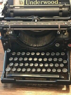 1917 Vintage/Antique  Underwood Model #12 Typewriter