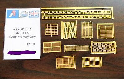 1 Pack of 4mm Scale 00 Detailing Assorted Grilles  *Lucky dip*  10-12  per pack