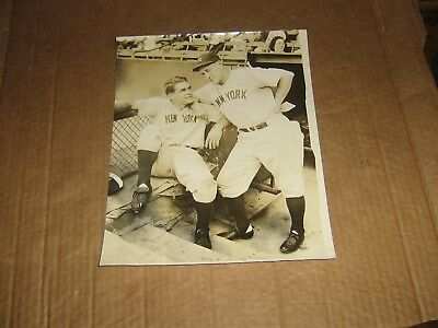 NY Yankees lot of 2 vintage early 1940s newsphotos w/Gomez, Hemsley, Keller +