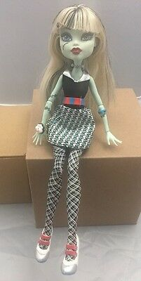 Mattel Monster High Frankie Stein 'Home Ick' Doll. Incomplete Set.