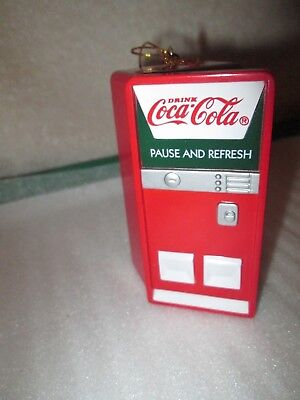 Coca Cola 1997 Christmas Ornament Bottling Works  Vending machine Polar Bears