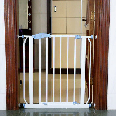 "Munchkin Easy Close Metal Baby Gate, Hallways and Doors, Extends 30"" - 33.6"""