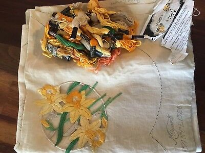 Vintage Myart Traced Linen Cut Work Daffodils Tablecloth & Cottons to Complete