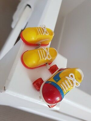 Novelty Toy Wind-up Shoes + Rollerstake Pencil Sharpener