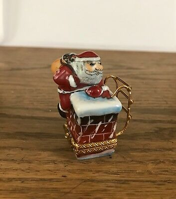 Limoges Santa Down the Chimney Peint Main Trinket Box